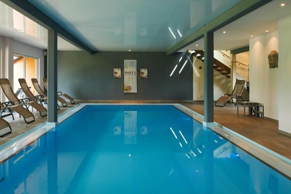 Hotel Pictures: Hotel Spa et Restaurant Au Chasseur, Birkenwald