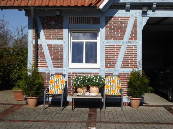 Hotel Pictures: Casa Carina Ferienwohnung, Süderschweiburg