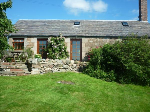 Hotel Pictures: Ardormie Farm Cottage, Alyth