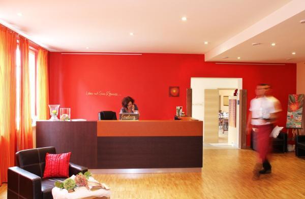 Hotel Pictures: Adler Landhotel, Buergstadt