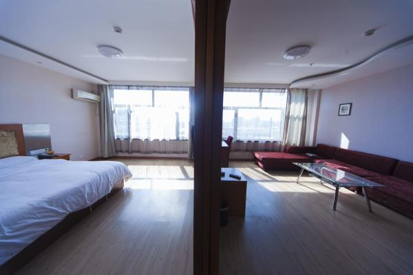 Mainland Chinese Citizens-Family Room