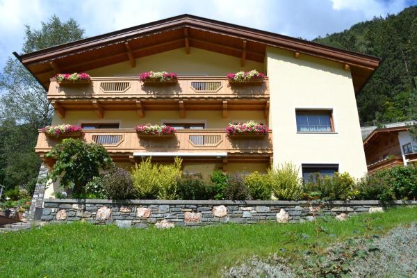 Foto Hotel: Apartment mit Herz, Finkenberg