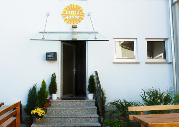 Hotel Pictures: Hotel Sonne, Neuburg