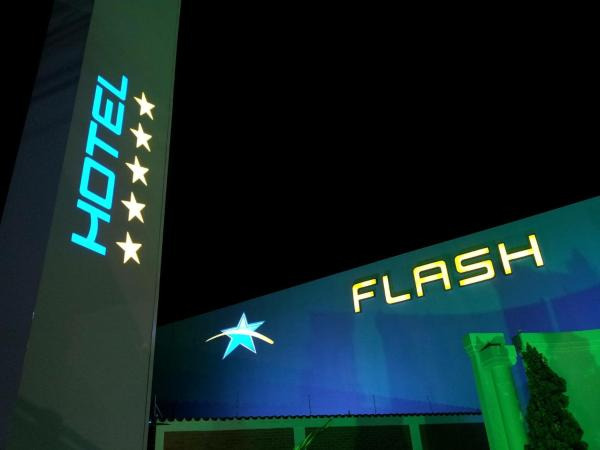 Hotel Pictures: Flash Motel (Adult Only), São Vicente