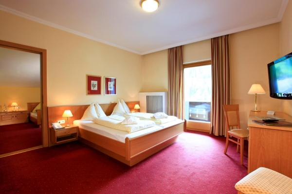 Classic Family Suite (2 Adults + 2 Children)