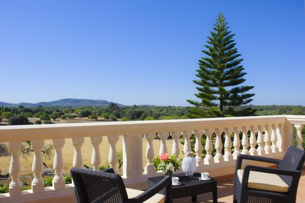Hotel Pictures: Miguel Tomas, Ca's Concos