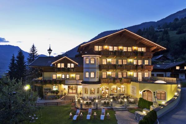Foto Hotel: Landhotel Untermüllnergut, Dorfgastein