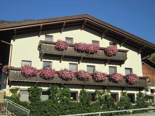 Hotel Pictures: Ferienwohnung Sporer, Hippach