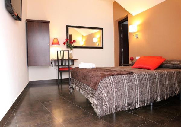 Hotel Pictures: Hostal Real, San Juan del Puerto