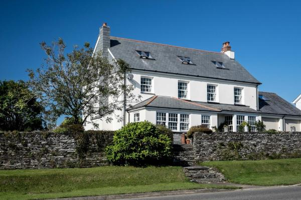 Hotel Pictures: Melorne Farm, Camelford