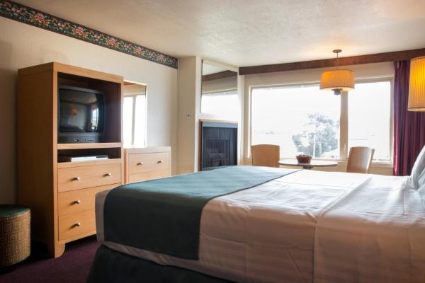 King Room with Partial Ocean View