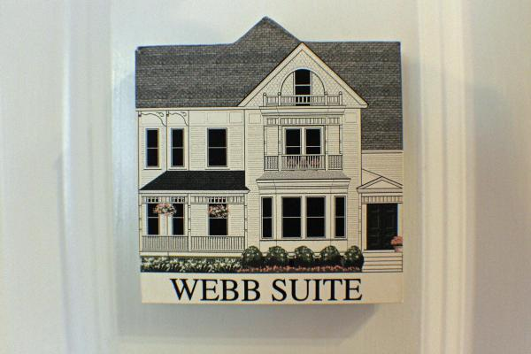 Deluxe Suite with Jacuzzi (Webb)