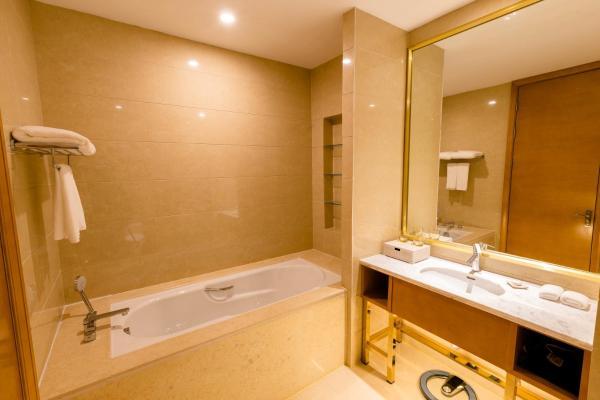 Hotel Pictures: Zhenjiang Yinhong Business Boutique Hotel, Dantu