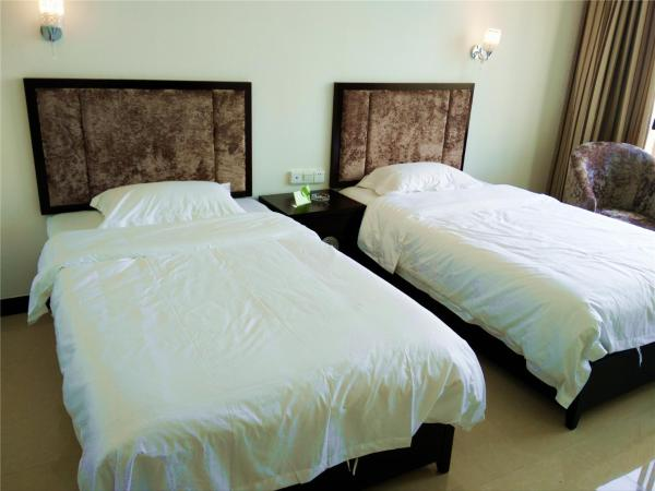 Hotel Pictures: Guilin Yangshuo Jingying Huanle Village Holiday Inn, Yangshuo