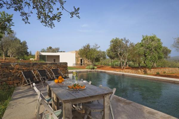 Hotel Pictures: Can Basso, Santa Eularia des Riu