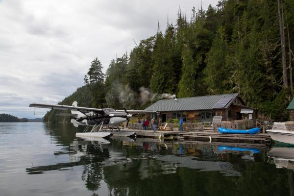 Hotel Pictures: Blackfish Lodge, Simoom Sound