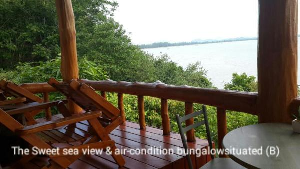 Bungalow with Sea View