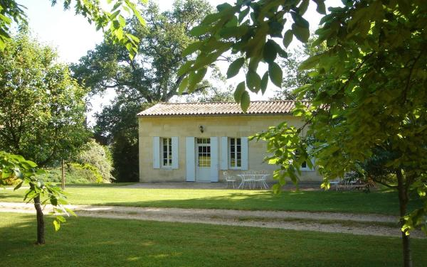 Hotel Pictures: Château Guibeau, Puisseguin