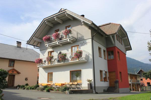 Hotellikuvia: Haus Brandner, Tröpolach