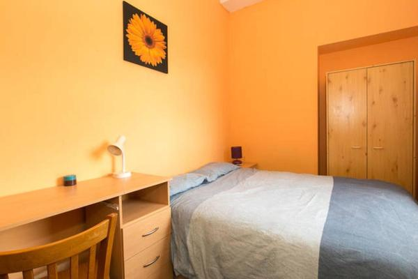 Double Room with Shared Facilities U1