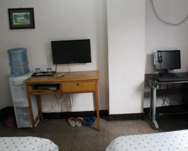 Hotel Pictures: Yichang Wuyi Guesthouse, Wujiagang
