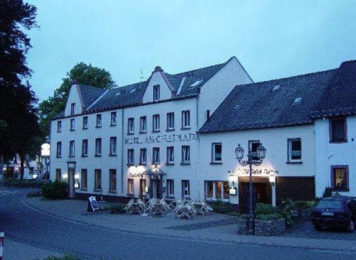Hotel Pictures: Hotel am Ceresplatz, Manderscheid