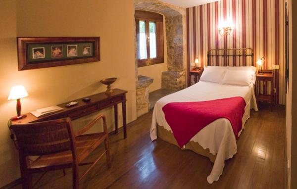 Hotel Pictures: Castillo De Valdés Salas, Salas