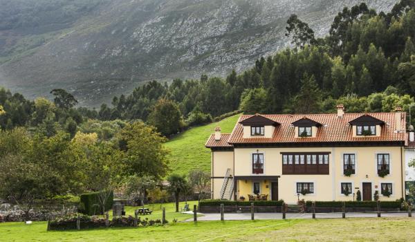 Hotel Pictures: Casa de Aldea El Frade, Camango