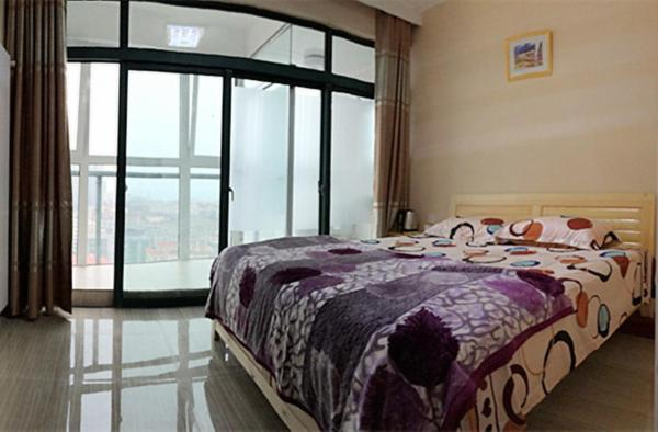 Mainland Chinese Citizens - Family Room with Balcony