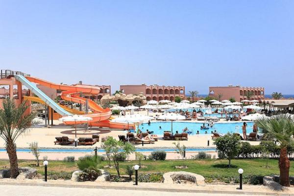 Hotel Pictures: The Three Corners Happy Life Beach Resort, Abu Dabab