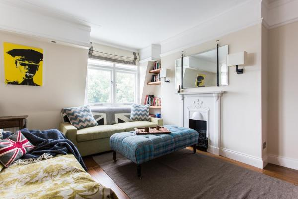 Two Bedroom Apartment - Hurlingham Court Mansions