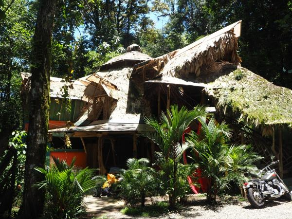 Hotel Pictures: Se Ua B&B and House Of Adventure, Manzanillo