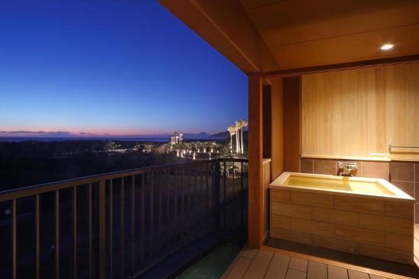 Premium Room with tatami Floor + Open-Air Bath