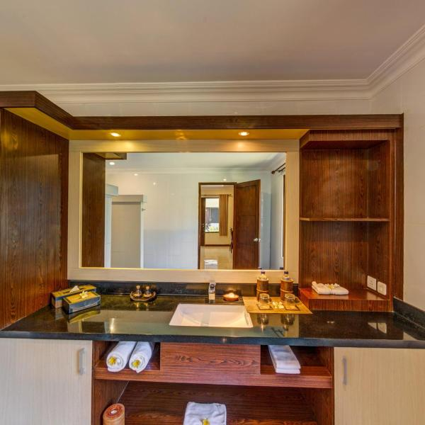 Special Offer - Deluxe Terrace Room with Free Minibar