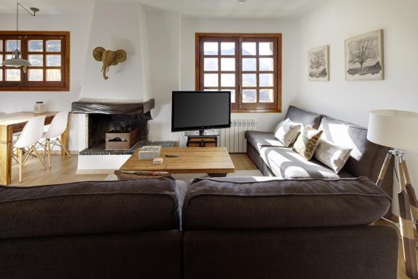 Hotel Pictures: Apartamentos Naut Aran I, Salardú