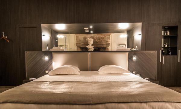 Hotel Pictures: Château de Lacan, Brive-la-Gaillarde