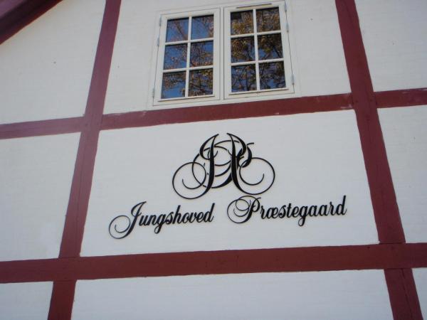 Hotel Pictures: Jungshoved Præstegård B&B, Præstø