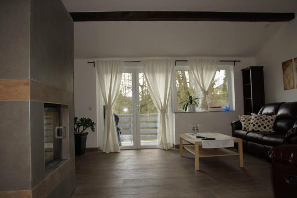 Hotel Pictures: 3 Bedroom Apartment near Ramstein Airbase, Weilerbach