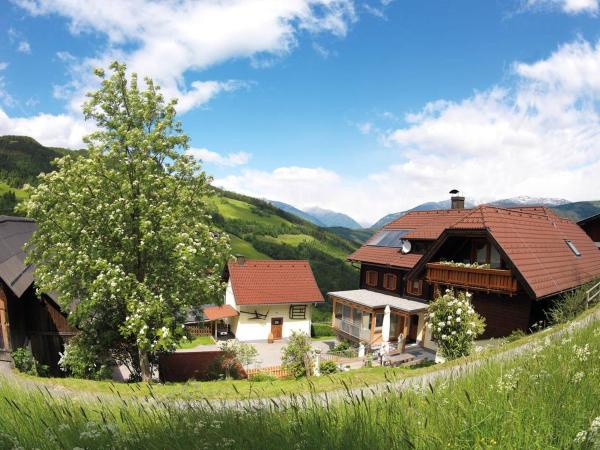 Zdjęcia hotelu: Sportbauernhof - Gasthaus Hochalmblick, Eisentratten