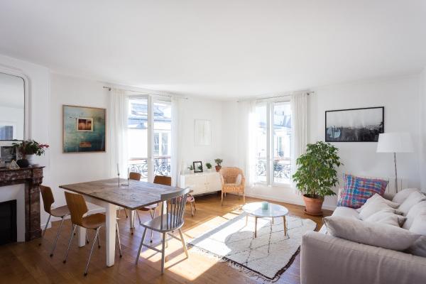 Two-Bedroom Apartment - Rue des Filles du Calvaire II