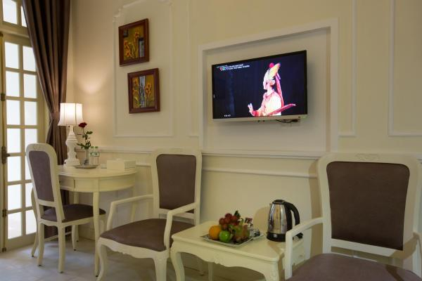 Family Two-Bedroom Suite (Free One-way Airport transfer and Cooking class)