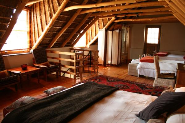 One-Bedroom Duplex Cottage (4 Adults)