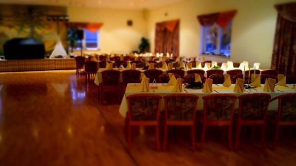 Hotel Pictures: Landhotel Wilhelm Busch, Lüthorst