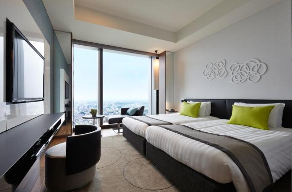 Superior Hollywood Twin Room with River View - Non-Smoking