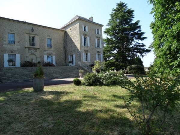 Hotel Pictures: Gîte la Tour des Cabernets, Rauzan