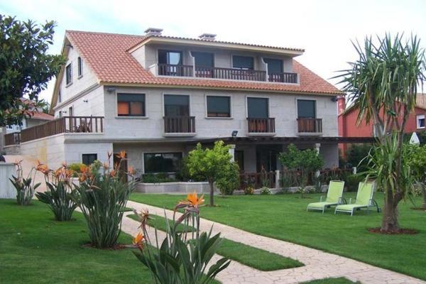 Hotel Pictures: Apartamentos Ababides, Baiona