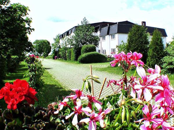 Hotel Pictures: Landhotel Trampe, Trampe