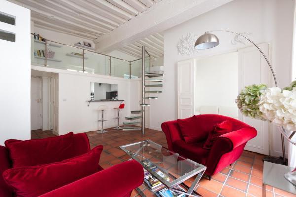 Two-Bedroom Apartment - Rue de Sévigné