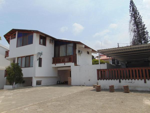 Hotel Pictures: Cucalon HomeStay, Manta