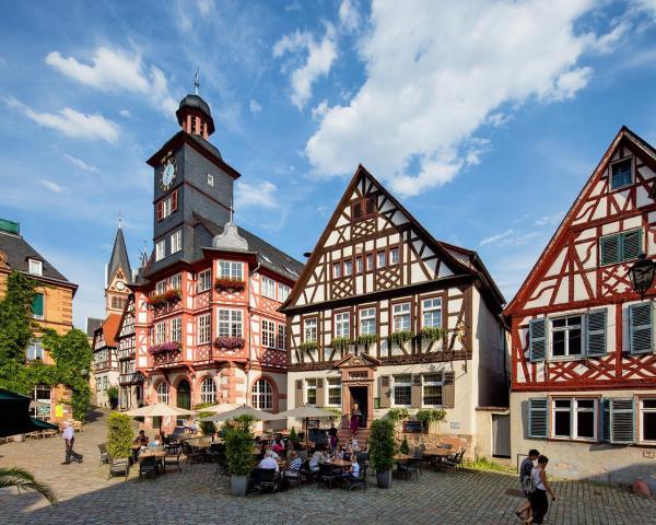 Hotel Pictures: Hotel Restaurant Goldener Engel, Heppenheim an der Bergstrasse